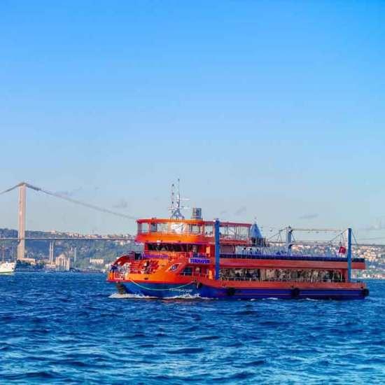 Cruise ship Istanbul turkish night tour in the bosphorus