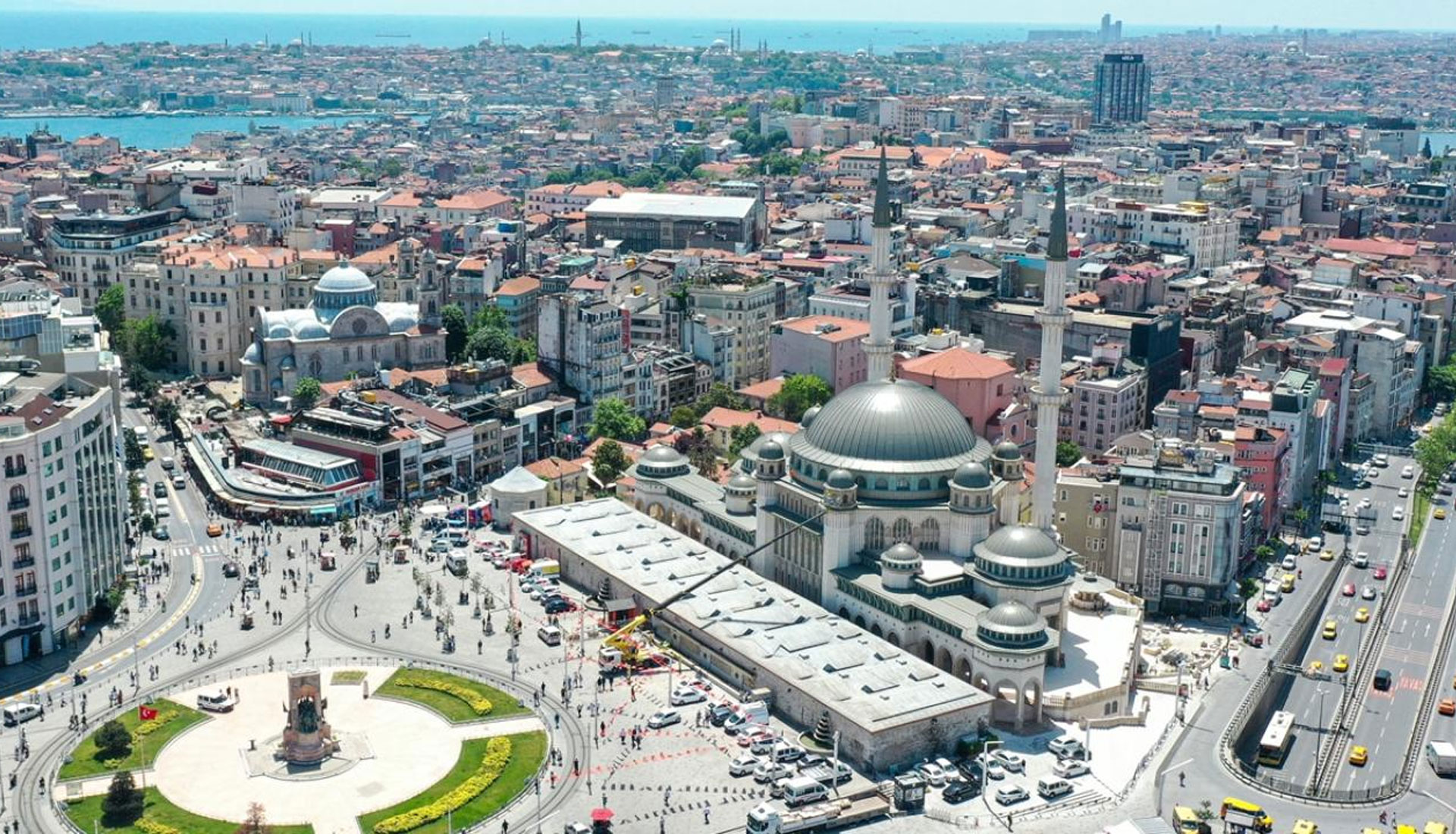 Istanbul Taksim Mes